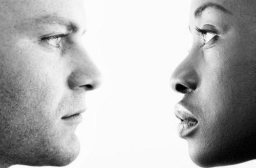 Article : Entre noir et blanc